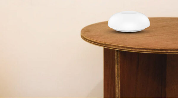 AllbeAI Zigbee Smart Security Suite: button on a table