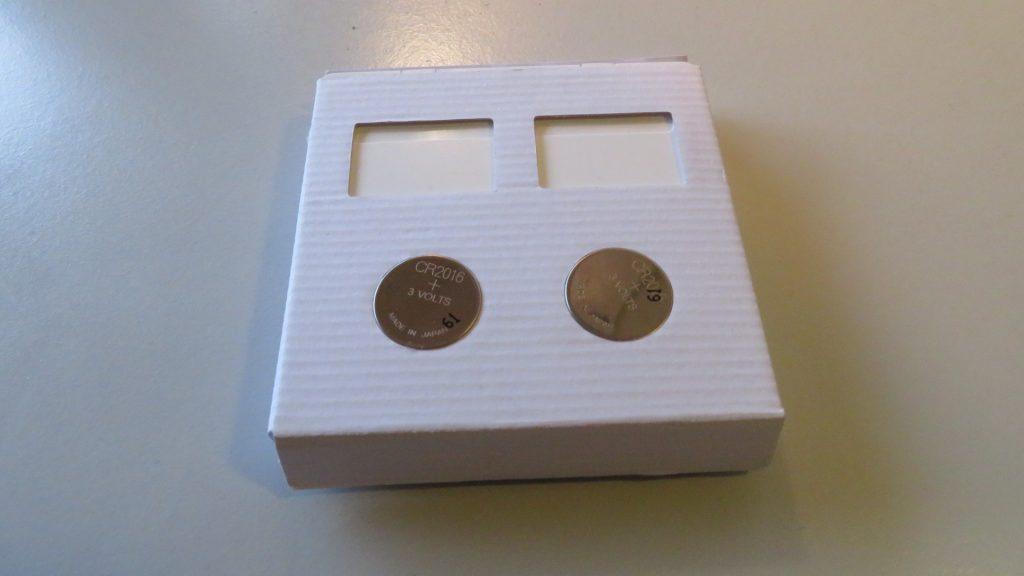OEM 433 MHz RF 3-gang mechanical switch: Inner package & batteries